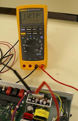 اندازهگیری AC ریپل در خطوط خروجی